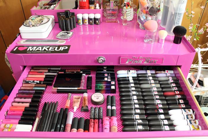 Lipstick organizer tower