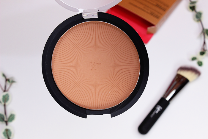 It Cosmetics Sunshine in a Compact Bronzer in Warmth